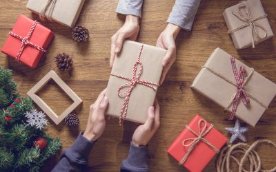 How to Give the Perfect Gifts Without Succumbing to a Payday Loan